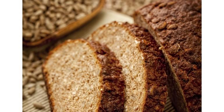 Chleb razowy - przepis na zdrowy domowy chleb