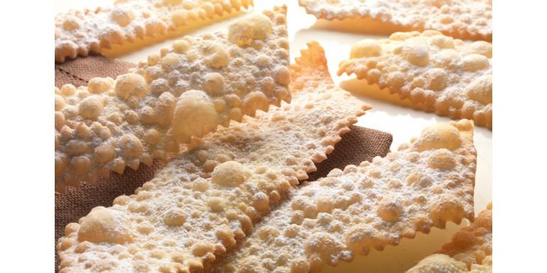 Faworki - przepis na niesamowity domowy chrust