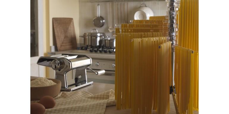 Domowy makaron – jak zrobić? Dlaczego warto mieć maszynkę do makaronu?